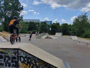 Skate- und Bikeanlage im neuen Aktivpark, Berlin Hellersdorf